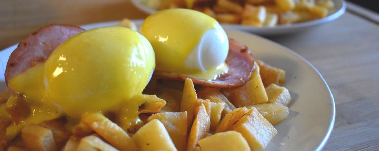 eggs Benedict recipe hollandaise