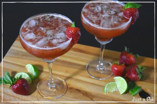 strawberry basil margarita.png