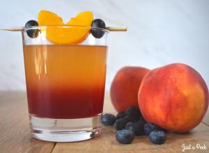 easy peach summer wedding cocktail